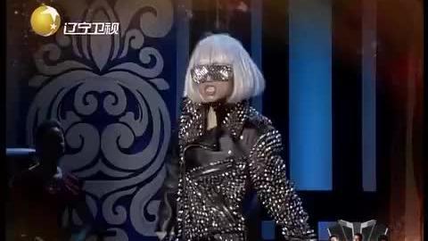 达人模仿lady gaga!夸张妆容和舞姿太抢眼,中性嗓音超还原