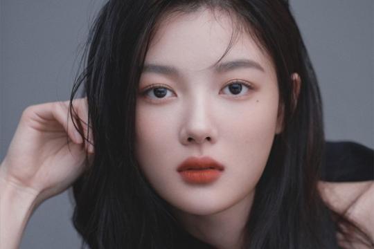 韩国女艺人金裕贞将出演Netflix电影《二十世纪少女》