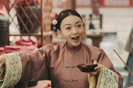 令妃魏璎珞被乾隆皇帝第一次宠幸后,为何乾隆皇帝会激动不已?