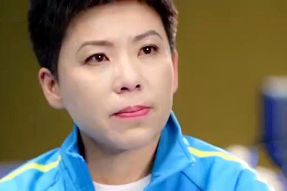 国乒大满贯两度被拒,前主教练揭晓真因,邓亚萍的回应让人泪目