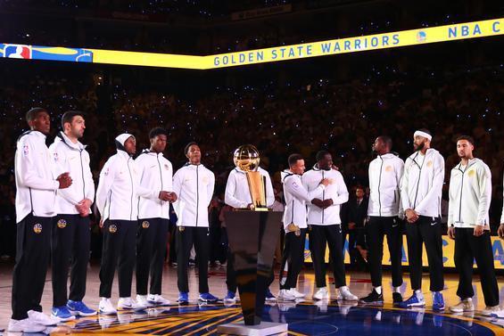 新赛季揭幕战预测:湖人当热火面庆祝冠军,篮网勇士同时亮相