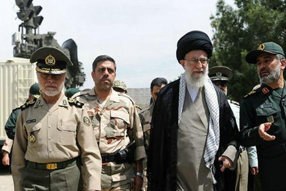 伊朗最高领袖哈梅内伊到底是何方神圣,在伊朗是怎样的存在?