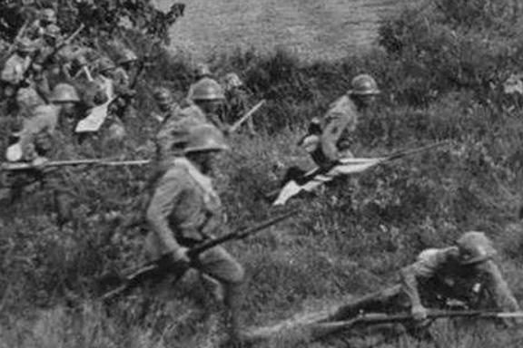 伏击日军,左齐右臂中弹昏迷,王震令:找白大夫做手术