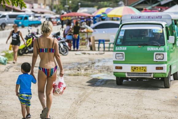 入住宿雾岛,菲律宾最古老的城市有家网红度假村,开门就是泳池