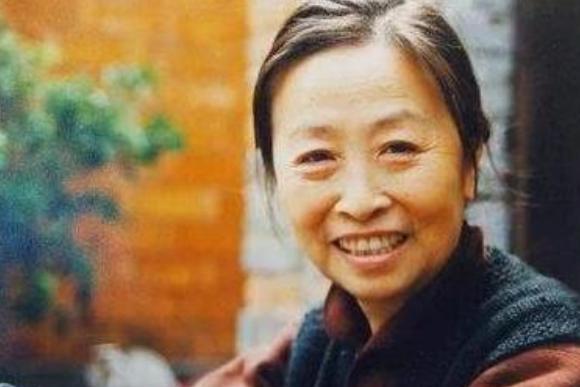 """""""丑娘""""张少华晚节不保?84岁被爆出丑闻,德艺双馨形象一落千丈"""