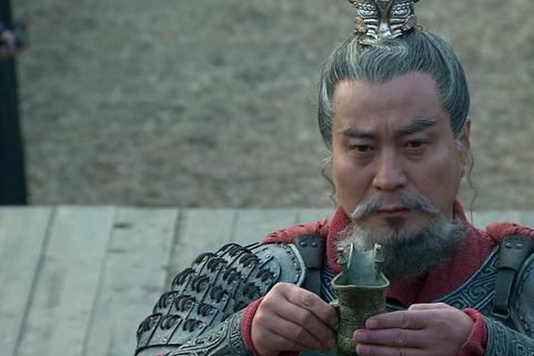 三国诸侯中3个宫廷派的竞争,曹操为何能打败袁氏兄弟