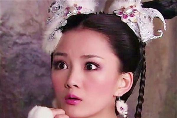 剧中耳饰有多美,赵露思简单,白鹿帅气,看到赵丽颖:好潮流啊