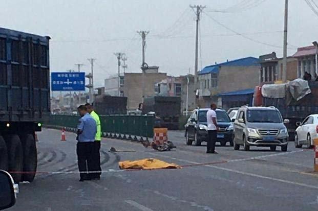 大同天镇县昨日发生一起车祸,一人当场死亡!