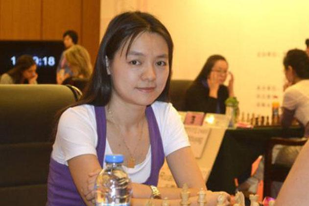 获得多项世界冠军的中国棋后,被一个男子战败后爱上他并远嫁异国