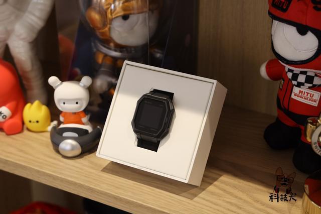 """荣耀赵明信心满满""""剑指""""小米;苹果发布watchOS 6.2.5正式更新"""