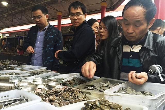 """26元网购的""""古董"""",专家说是200万的真品,希望赶紧缴纳鉴定费"""
