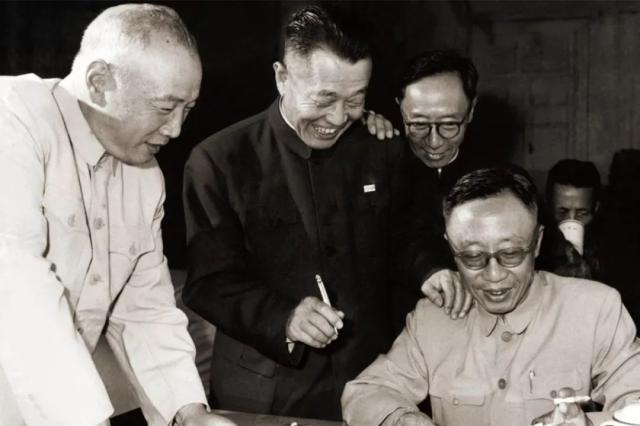 功德林监狱中的战犯学习委员会,由3个人担任委员,他们都是谁?