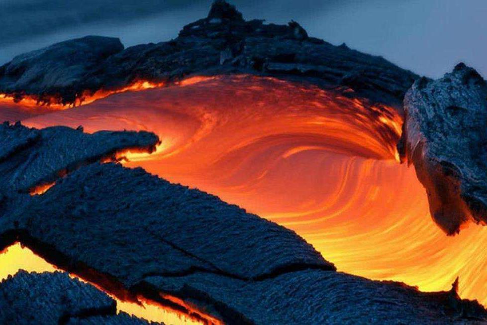 火山爆发会有多大的威力?岩浆、碎屑流、火山灰,招招致命!