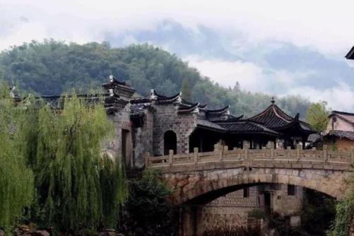浙江有一个千年古镇:不到1万人,却有140个姓氏