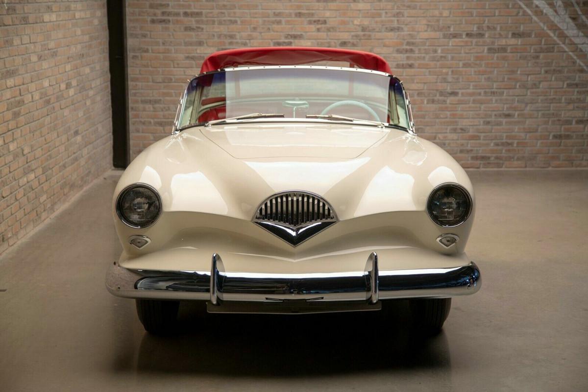 美国第一款玻璃纤维跑车,超前时代的Kaiser Darrin正在出售