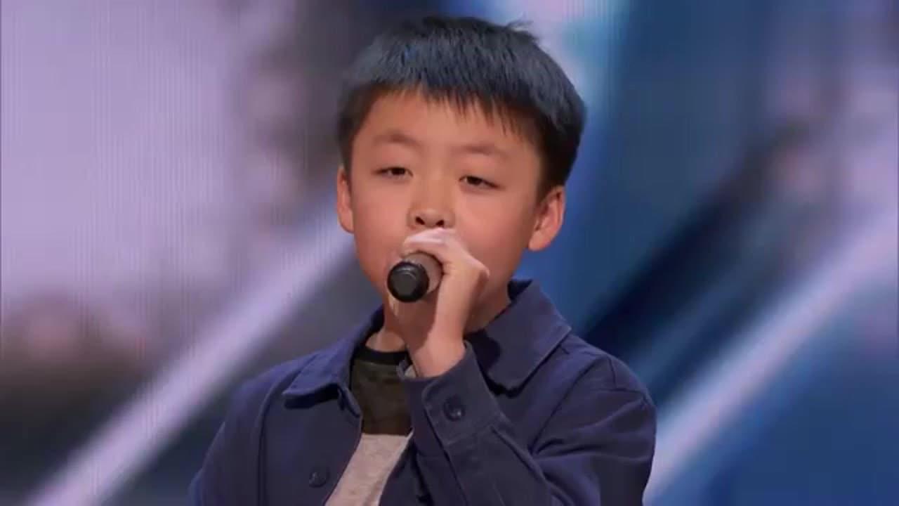 13岁华裔少年震撼美国达人秀