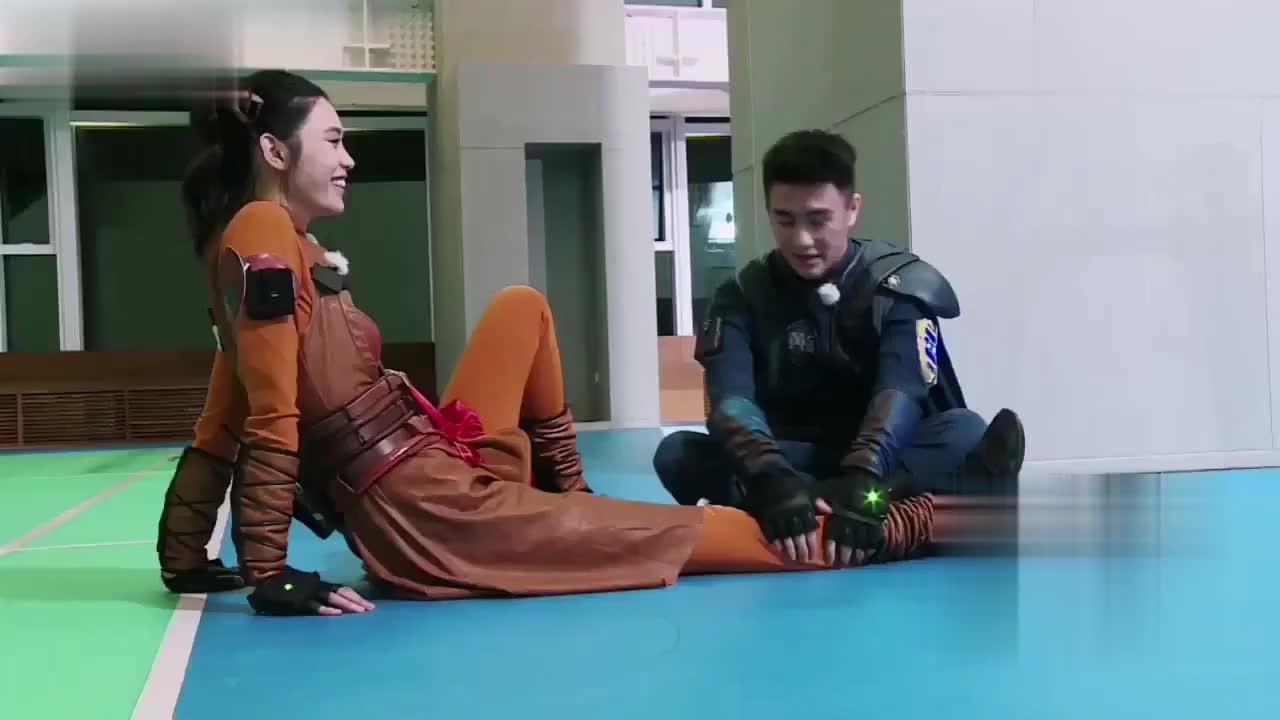 何猷君与奚梦瑶节目中互动,陈赫一语道出实情?