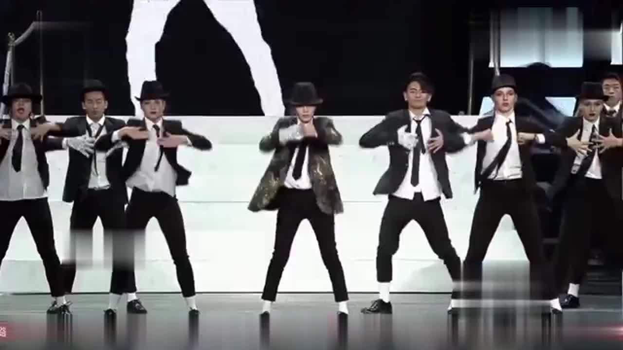 李小璐演绎《MJ舞蹈秀》,重现迈克杰克逊经典舞步!