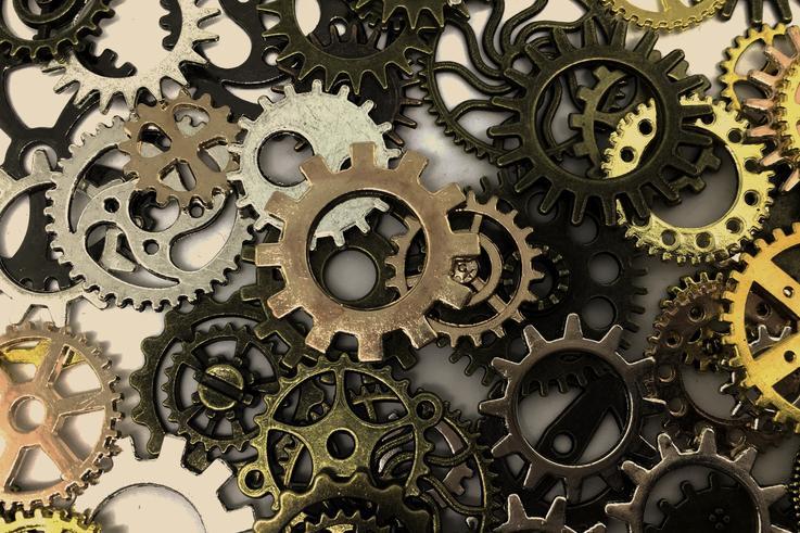工程机械行业回暖 艾迪精密上半年业绩增六成 董监高开启减持模式