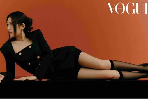 韩国女歌手全昭弥拍杂志写真展成熟优雅魅力