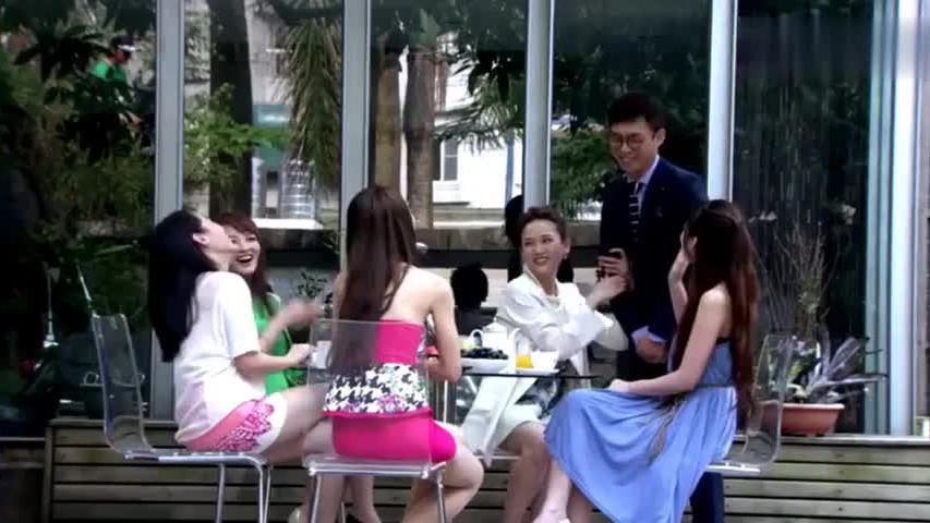 台湾老婆带老公回娘家,不料姐妹们顿时就炸了,一脸花痴样