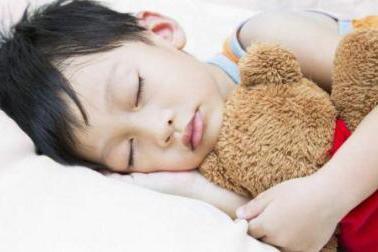 """哄孩子睡觉并不难,其实是父母没找对方法,不妨试试这""""4步走"""""""