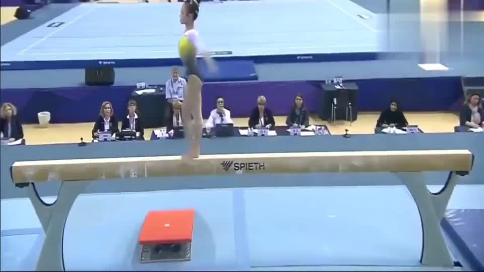 黎琪在多哈世界杯平衡木决赛得分14.333分,优美的气质!