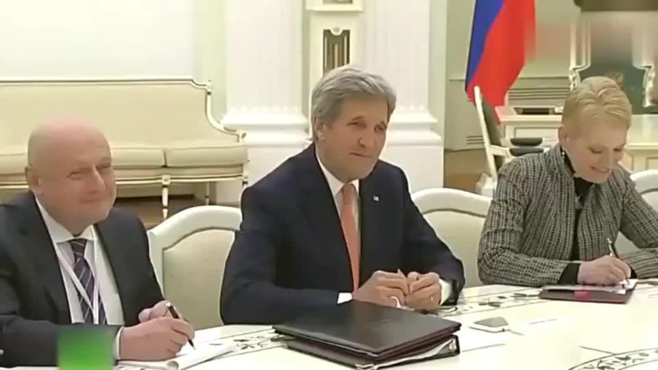 普京调侃美国务卿,全场的俄罗斯官员都憋出了内伤