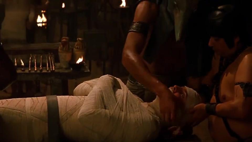 小哥被活活制作成木乃伊,几千年后苏醒,疯狂报复人类泄愤
