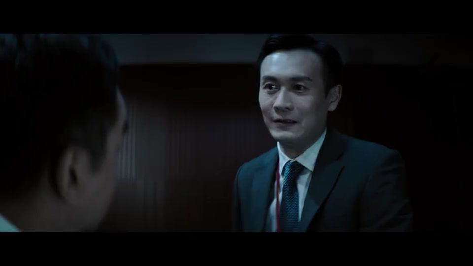 警察跟犯人斗智斗勇,大叔在审讯室淡定飙演技,太猖狂了!