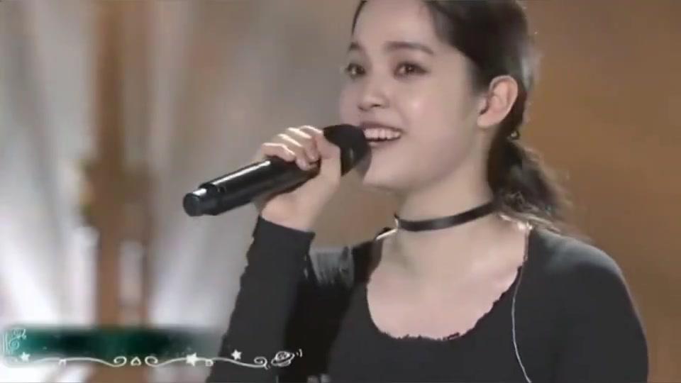 欧阳娜娜翻唱苏打绿《无与伦比的美丽》献给妈妈,引妈妈泪目