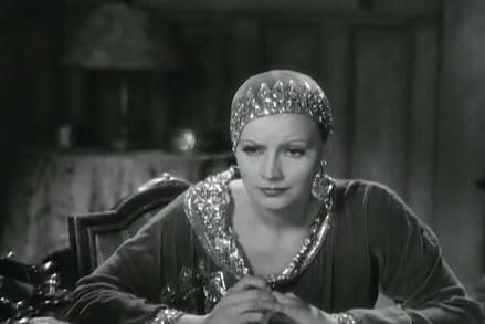 她生前是著名的舞女,神秘的间谍,死后头颅成博物馆珍藏品