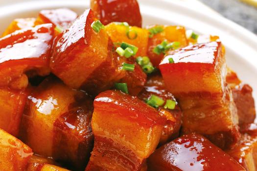 红烧肉这样做:不用一滴油,不加盐不炒糖色,肥而不腻,入口即化