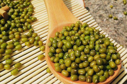 绿豆新吃法,简单蒸一蒸,松软有嚼劲,香甜又解暑,小孩都爱吃