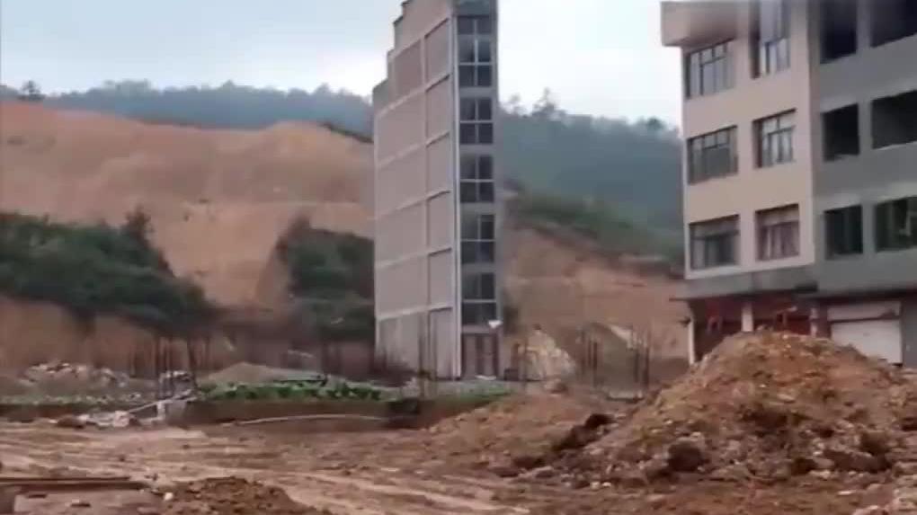 这样的房子谁设计的,遇到台风该怎么办啊?