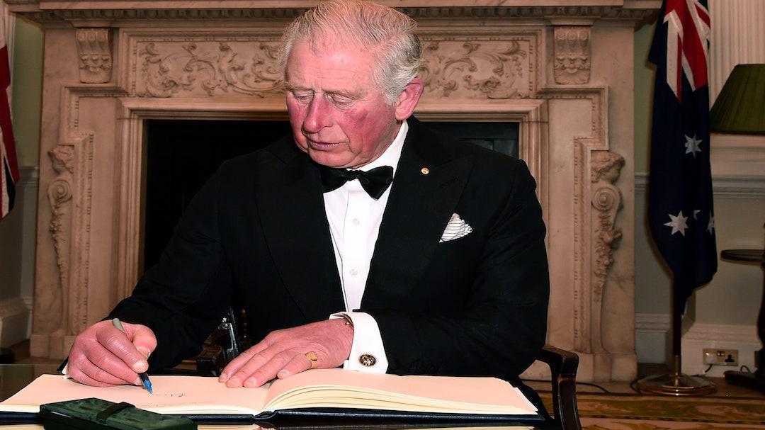 查尔斯王子康复后首亮相,鼓励民众怀抱信念