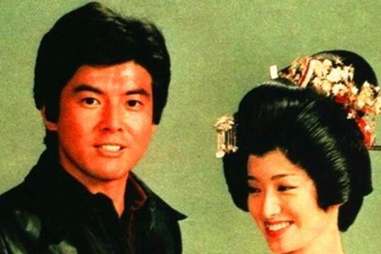一组旧照,三浦友和与妻子山口百惠,告诉你什么是娱乐圈最美童话