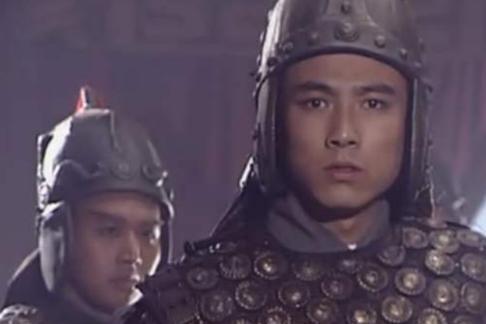 魏国打来时刘禅都投降了,蜀汉还有一个大将坚持不降,不是姜维