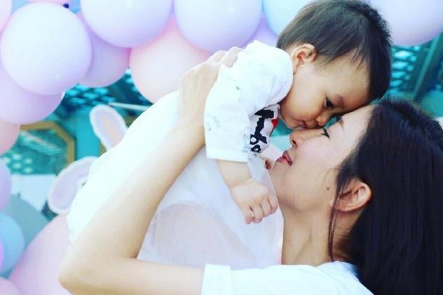 TVB实力视后为宝贝女儿举行生日派对:愿你展翅高飞!
