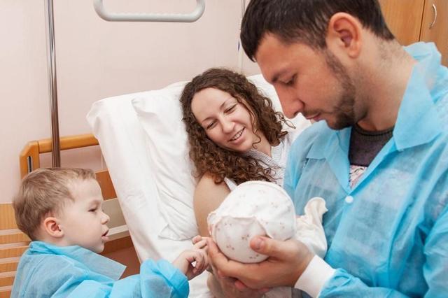 孕38周还是40周剖腹产?仅差两周,宝宝出生后的几个表现很明显