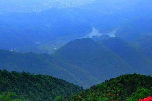 游客只知道萍乡武功山,却不知道萍乡另外一座山,拥有千年古寺