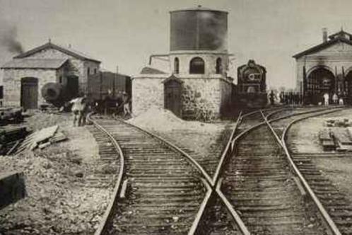 中国唯一仍在运行的清朝铁轨,至今没有锈迹,每一根都是二级文物