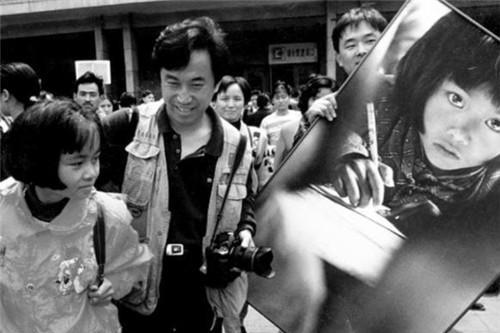 """28年前,那位大喊""""我要上学""""的大眼睛女孩苏明娟,现如今怎样了"""