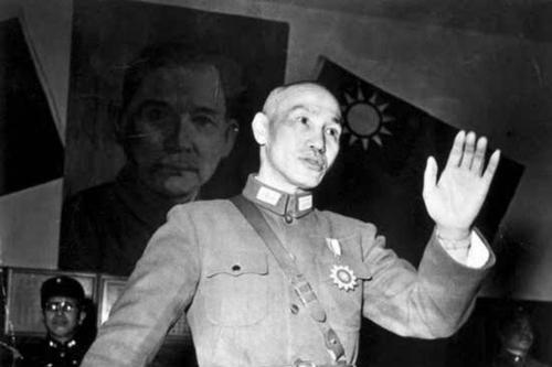 蒋介石说的人海战术是什么意思?国民党是如此解释的,太狠了