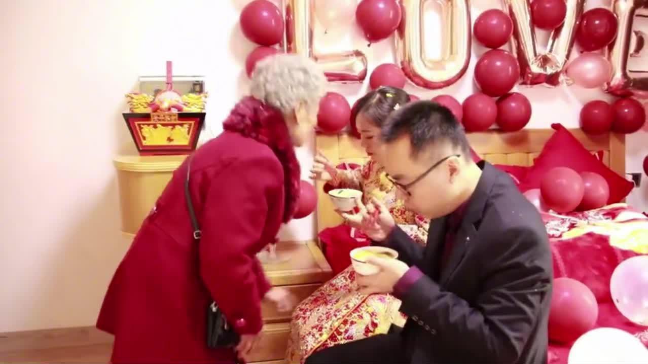 福建一小伙结婚,奶奶全程陪伴,好幸福