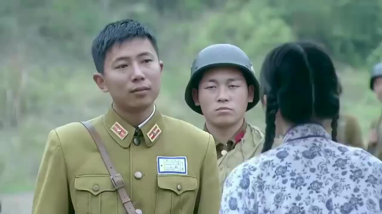 女间谍假扮村妇上山不料碰见国民党军队守山下秒好戏开始了
