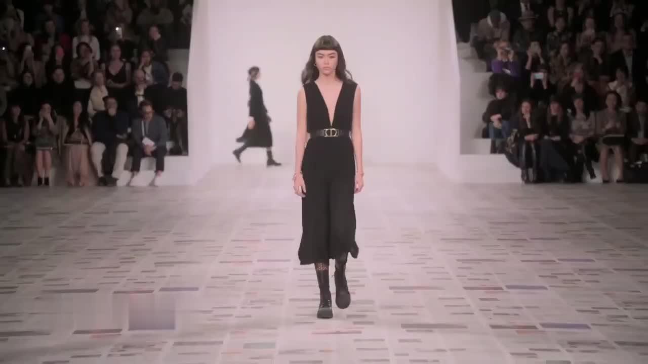 Dior 2020-21秋冬巴黎时装秀