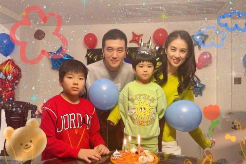 黄圣依与富豪老公罕同框,为4岁小儿子庆生,却意外曝光豪宅内景