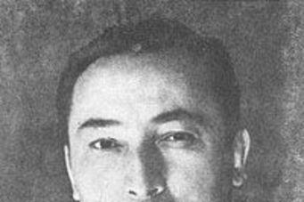 贺龙元帅亲自授予他中将军衔,他成为任期最久的副委员长