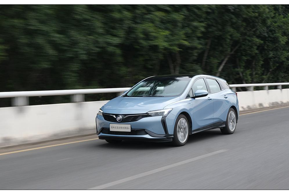 这辆美系新车竟能开出1.4L油耗!目前还优惠5万,实力如何?
